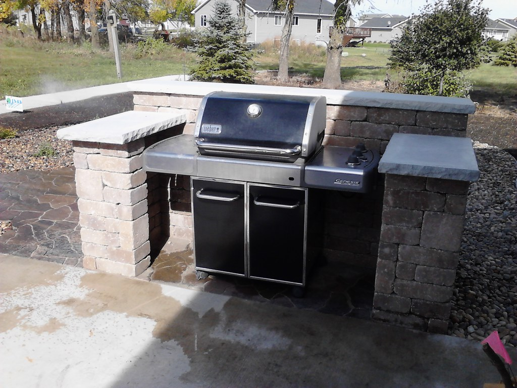 Grill surround lakeland sante fe james valley nursery for Outdoor cooking station plans