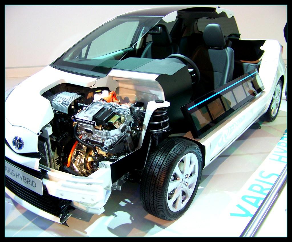 Toyota Yaris Hybrid Cutaway Istanbul Auto Show 2012 Flickr