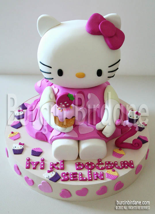 Hello Kitty Cake Red Ribbon