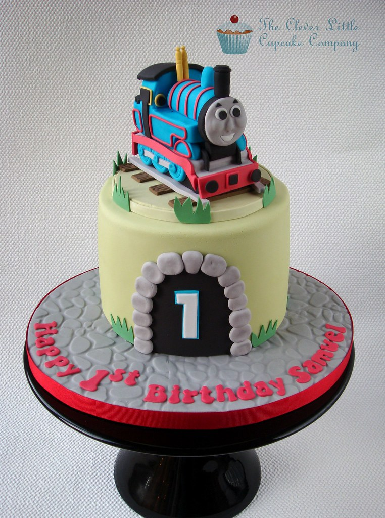 Cake Decorations Thomas The Tank Engine : Thomas the Tank Engine Cake 1st Birthday cake. Chocolate ...
