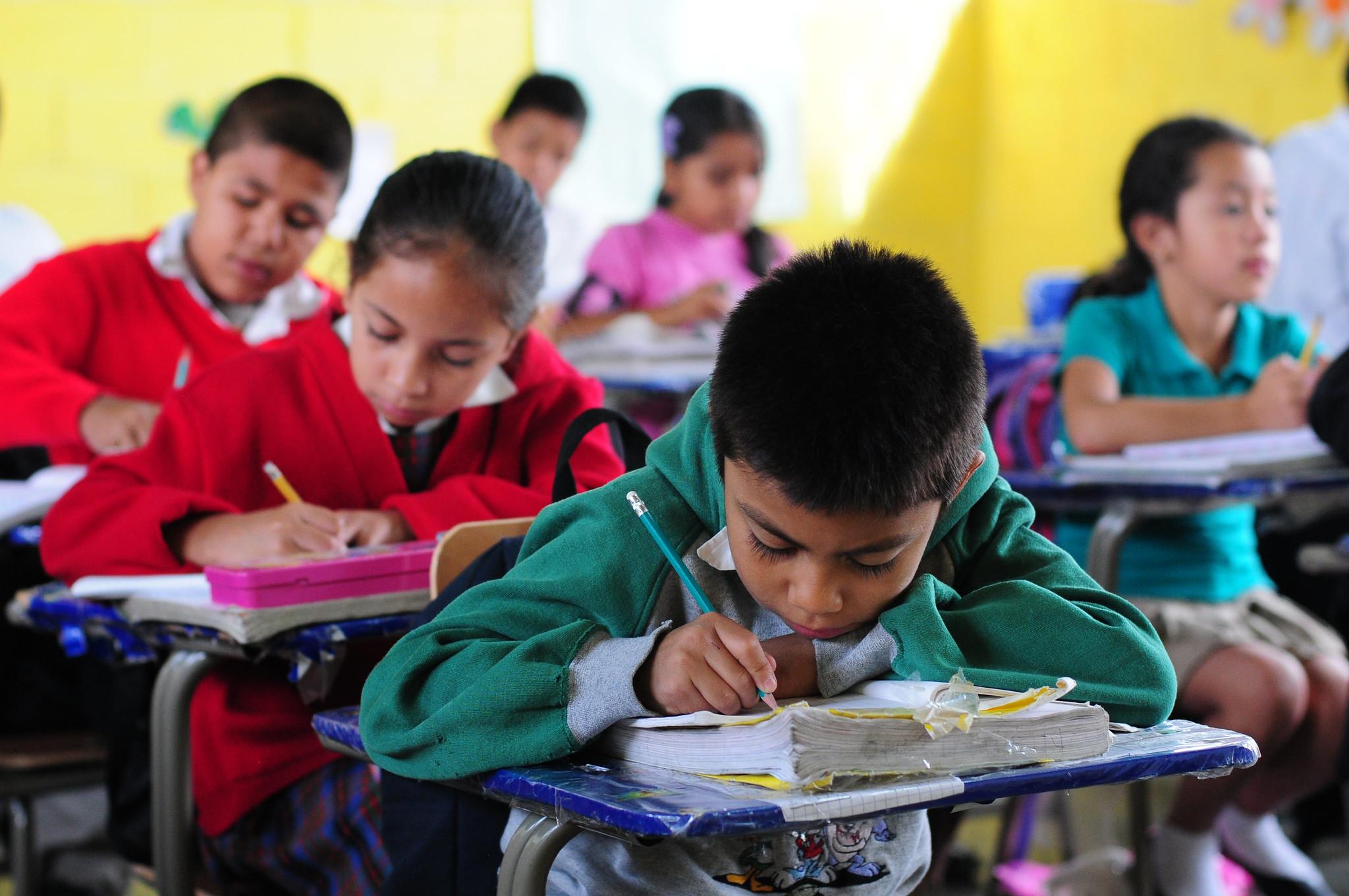 In Spanish: Una pictura del Renacimiento School in Villa Nueva Guatemala