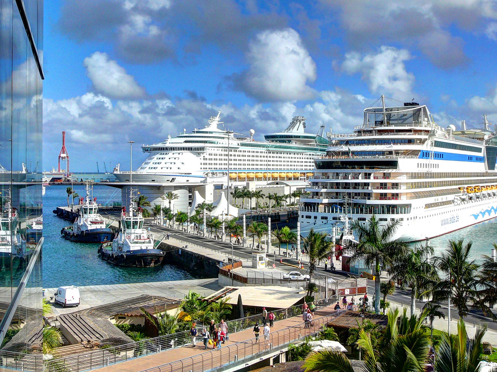 Cruise port the cruise ship port at las palmas in gran can flickr - Port of las palmas gran canaria ...
