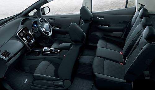 日産リーフ内装ブラック 新型「日産リーフ」インテリアはブラックとエアリーグレーの2色 本革シートも Blog