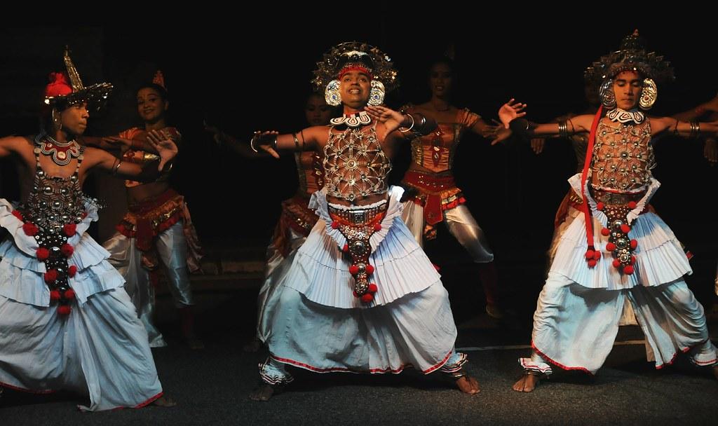 traditional dancing in sri lanka