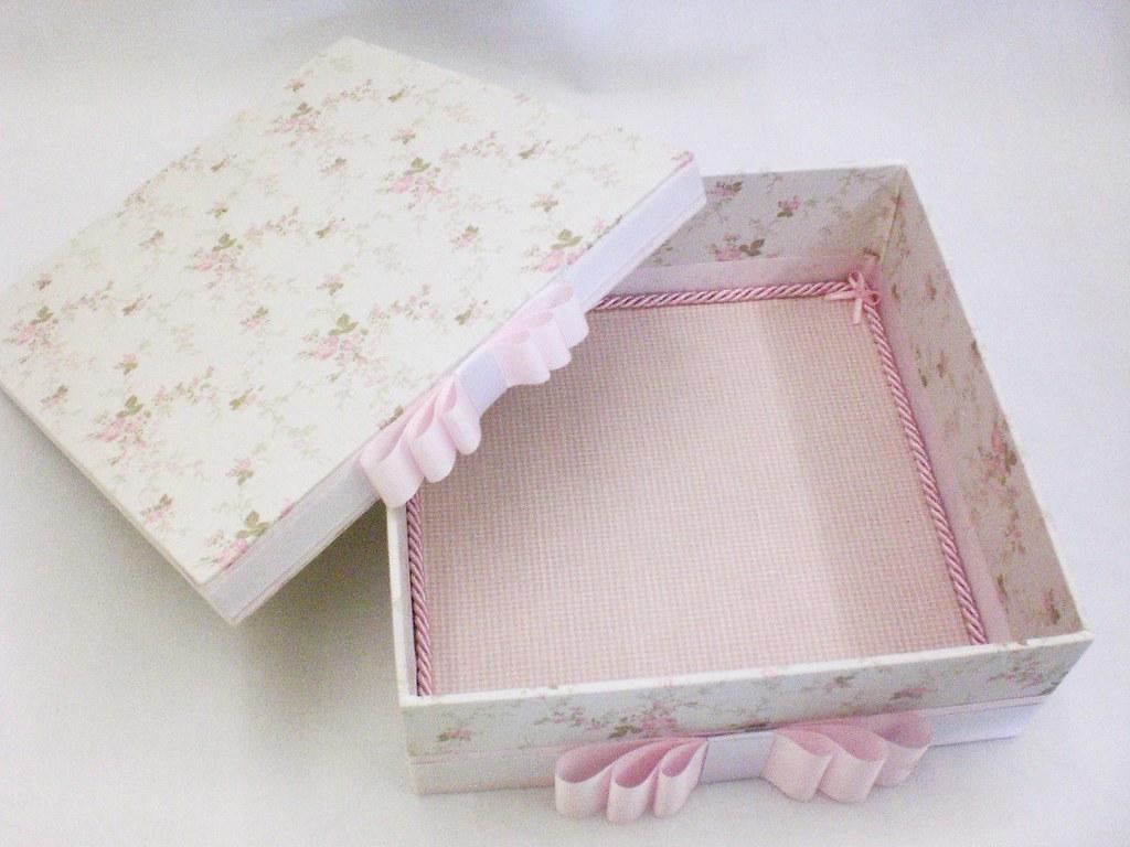 Caixa de madeira forrada em tecido Divina Caixa Flickr #804B55 1024x768