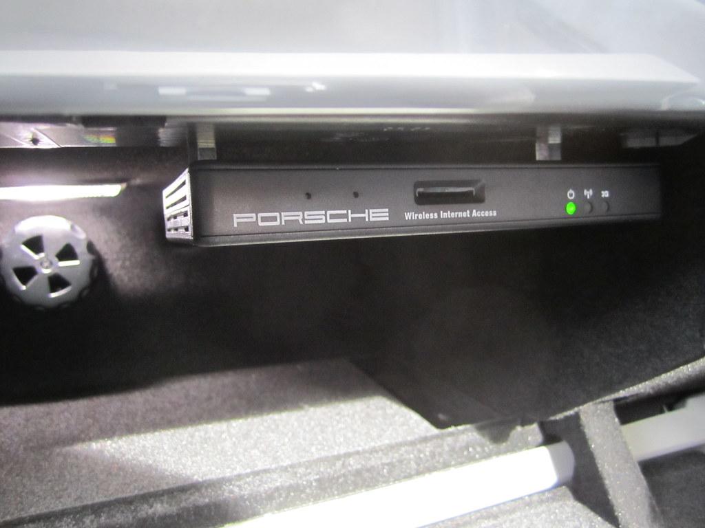 Porsche Wirleless Internet Wlan Router In Panamera Panamer Flickr