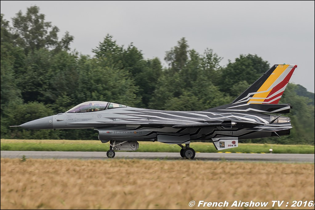 f-16 solo display Belgian Air Force Days 2016 , BAF DAYS 2016 , Belgian Defence , Florennes Air Base , Canon lens , airshow 2016