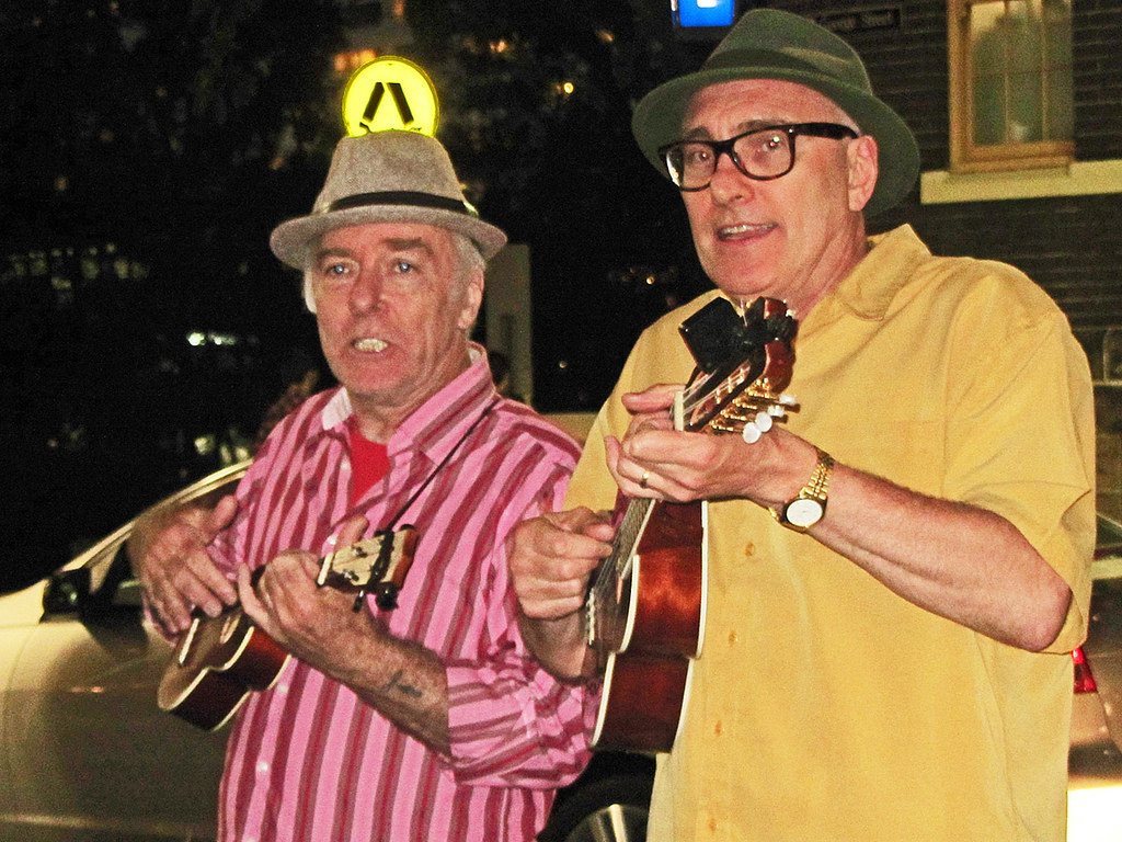 The Rocks Village Bizarre, Xxx  Ukulele Duo  Newtown -6111