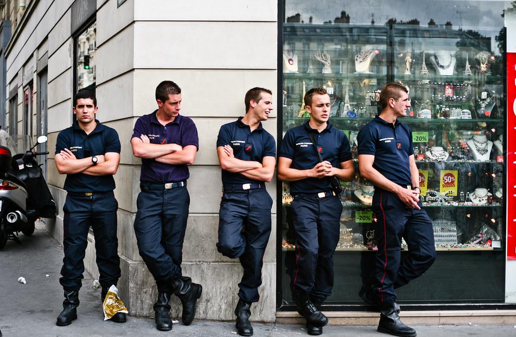 Bal Des Pompier Saint Julien Les Villas