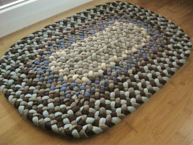 Handmade Wool Oval Braided Rug Or Bath Mat In Sky Bue And