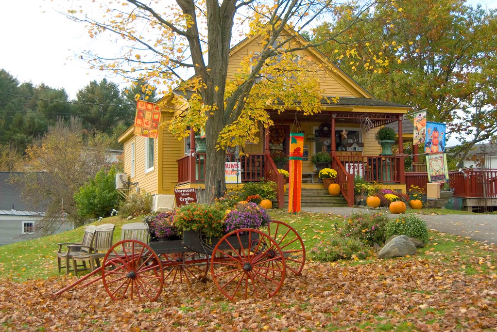 Store stowe vermont classic american architecture in for Classic american architecture