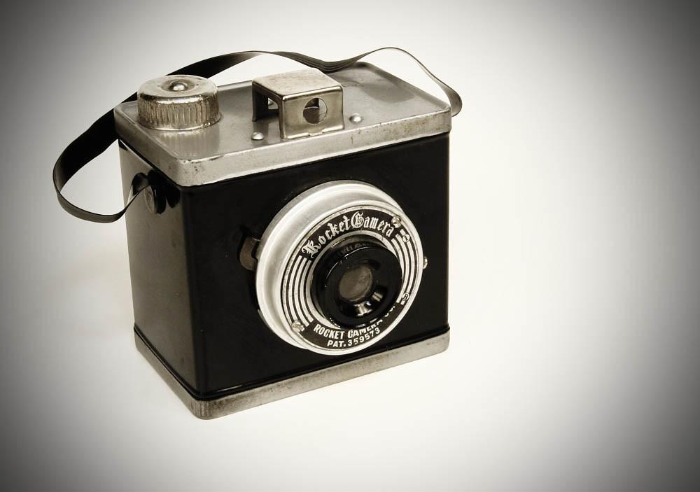 Rocket Camera : Rocket camera tin box camera ©1955 rocket camera co ltd u2026 flickr