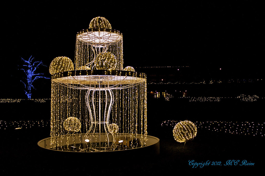 Christmas Fountain Light Structure At Longwood Gardens Pa Flickr