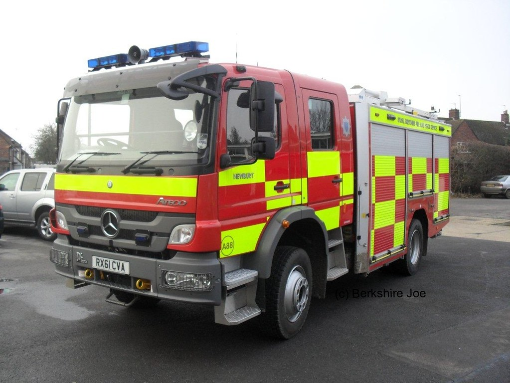 Royal berkshire fire rescue service mercedes benz ateco for A service mercedes benz