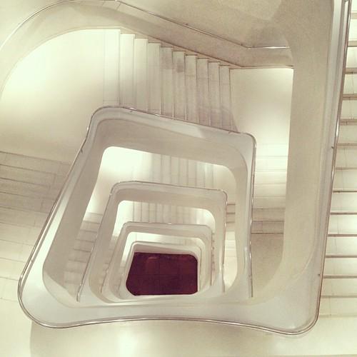 Las escaleras blancas a grimz flickr - Escaleras blancas ...