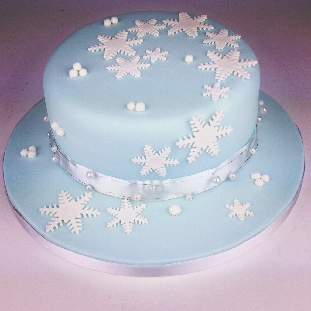 White Christmas Cake Decoration Ideas