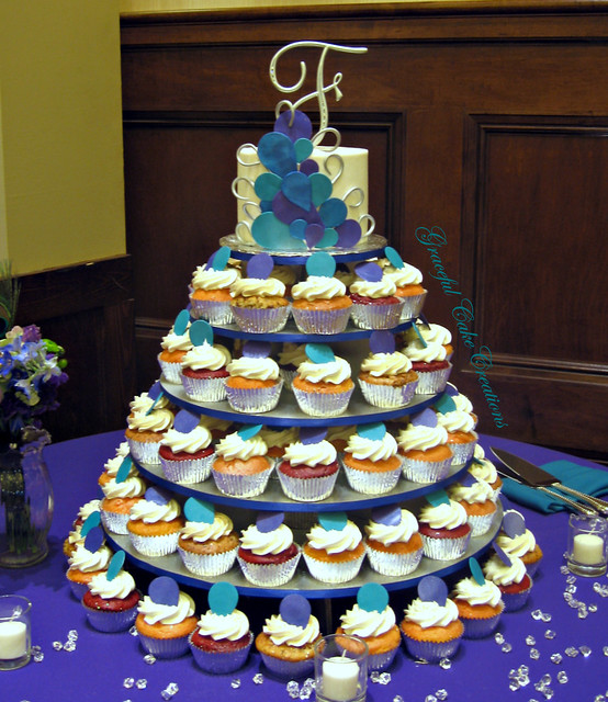 peacock themed wedding cake