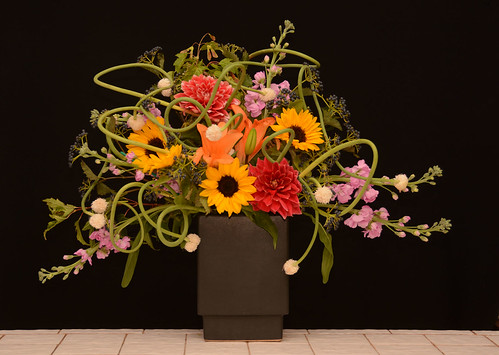 Trans-Seasonal Floral Design - Summer into Fall — Photo Courtesy The Rittners School of Floral Design, Boston | by Flower Factor