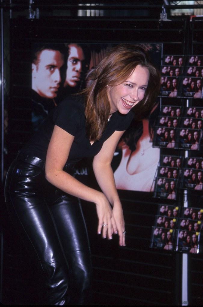 Jlh Leather03 Jennifer Love Hewitt Leather Pants 18 11