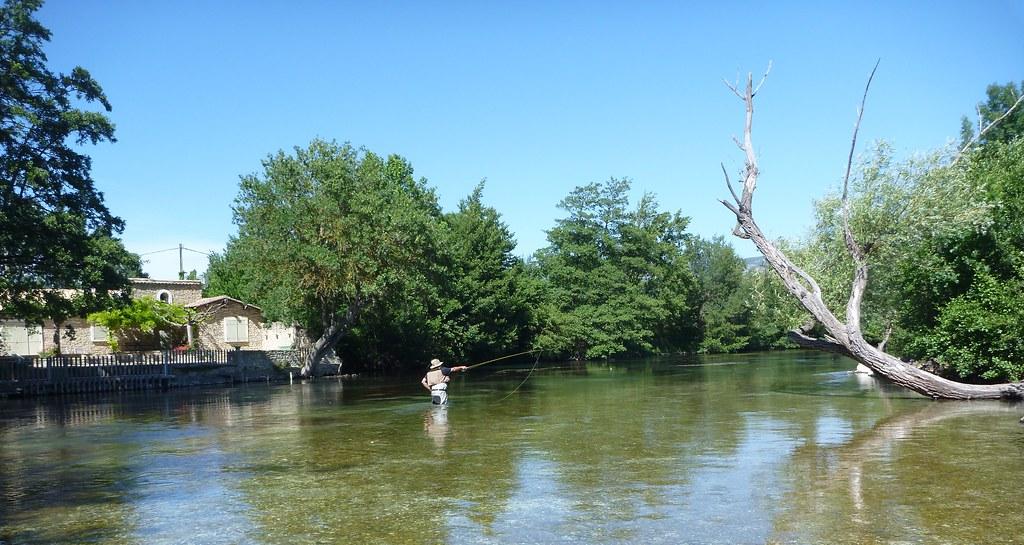 Le canot pour la pêche de laluminium