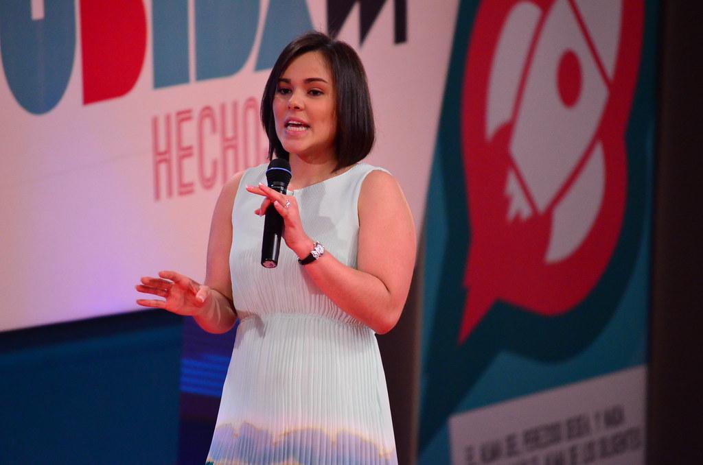 """La Mayor Proeza - Ana Gabriela Luna   Hechos 29, 2012, """"La M ..."""