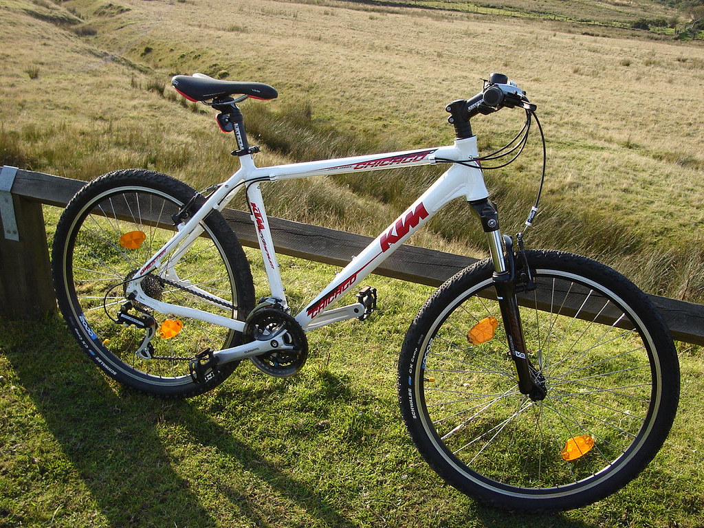 ktm chicago mountain bike stolen outside ammanford post of. Black Bedroom Furniture Sets. Home Design Ideas