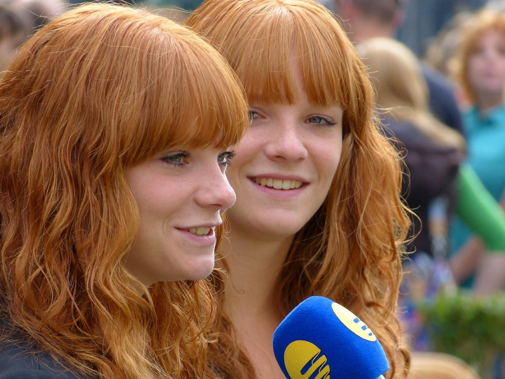 Malou: Twin Sisters Anne & Malou (or Vice