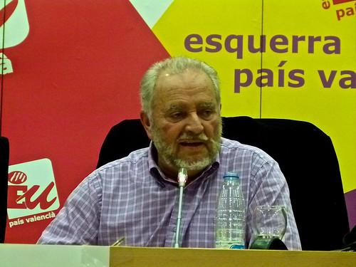 """Julio Anguita presente en Valencia su libro """"Combates de e"""