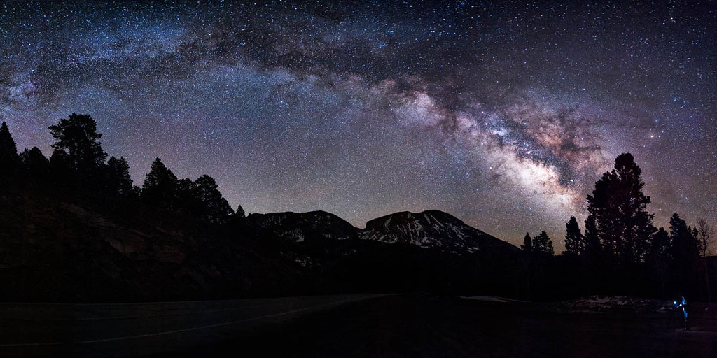Stunningly realistic, Starry Night Pro immerses you in the wonders of the universe. A new layer of over interactive, multimedia tours reveal the fascinating science and history of stars, providing a deeper understanding of the universe.