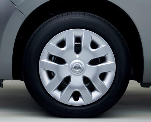 16インチアルミホイールカバー 新型「日産リーフ」ボディカラーは7色、gには17インチアルミホイール Blog
