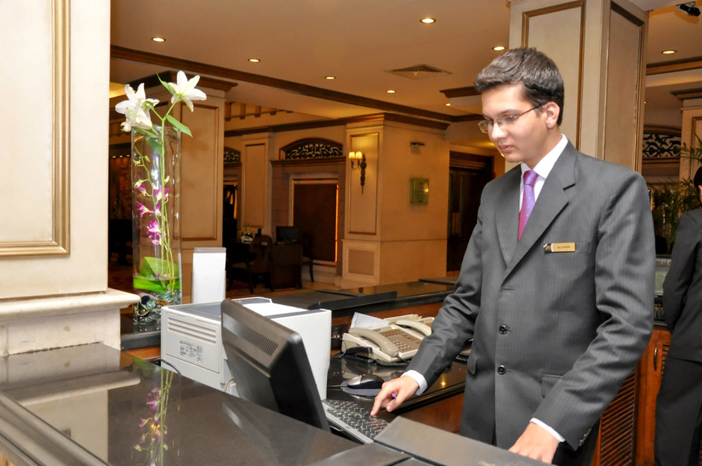 Hotel Front Desk Receptionist Job Description