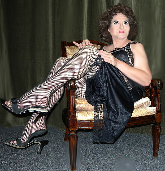 Me Black Nighty And Fishnets  Well, I-9175