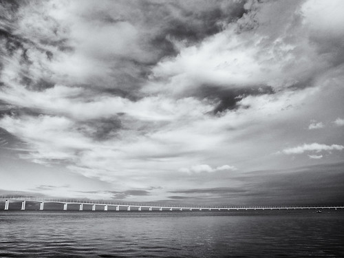 Longest Bridge of Europe / Ponte Vasco da Gama | by topfloor