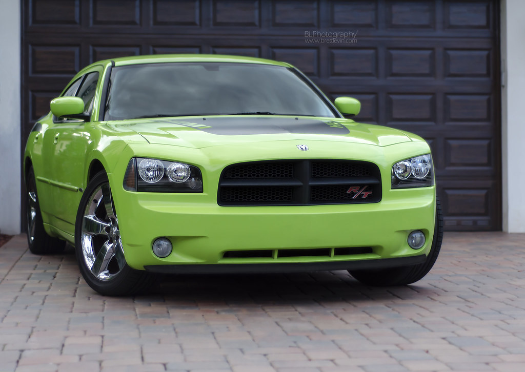 Sublime green charger