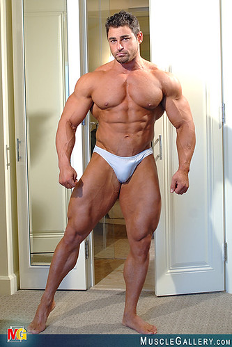 Young male to nude bodybuilders gay leo 7