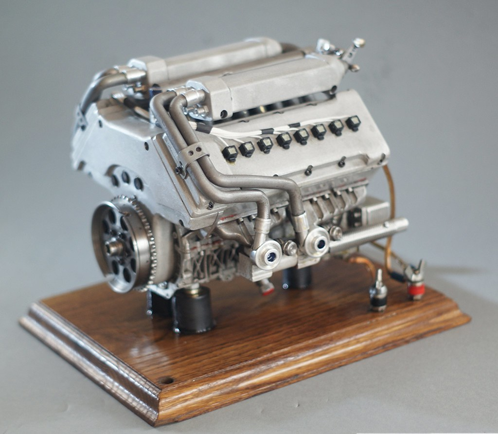 bugatti veyron w16 4 model engine running combustion engin flickr. Black Bedroom Furniture Sets. Home Design Ideas