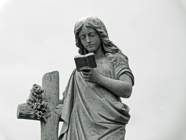 Estatua del cementerio de la Recoleta de Buenos Aires