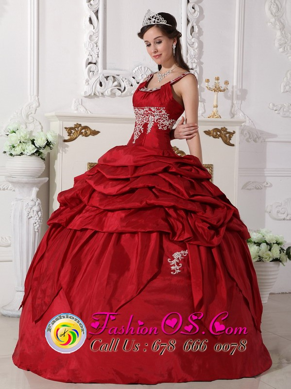 Best Embellished quinceaneras dress For banquet   charming ...