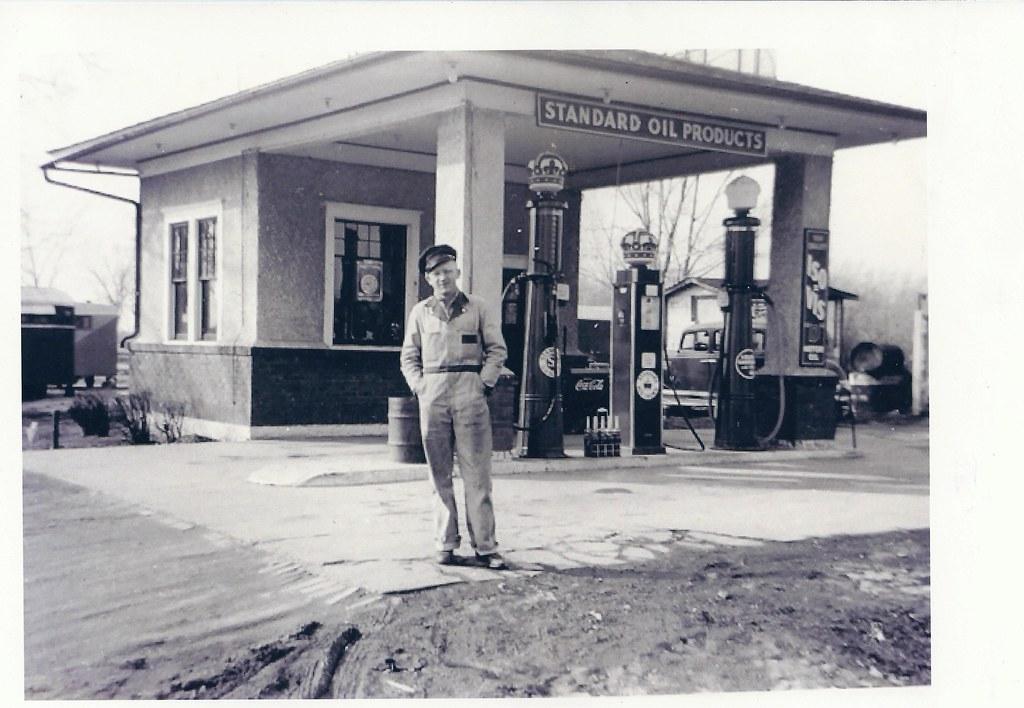 Iowa >> Nevada, Iowa, Standard Oil, Gas, Fuel, Service Station, St… | Flickr