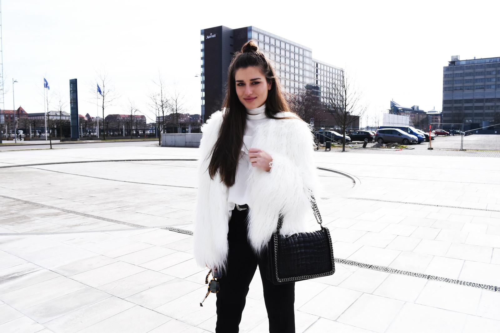 white fur2