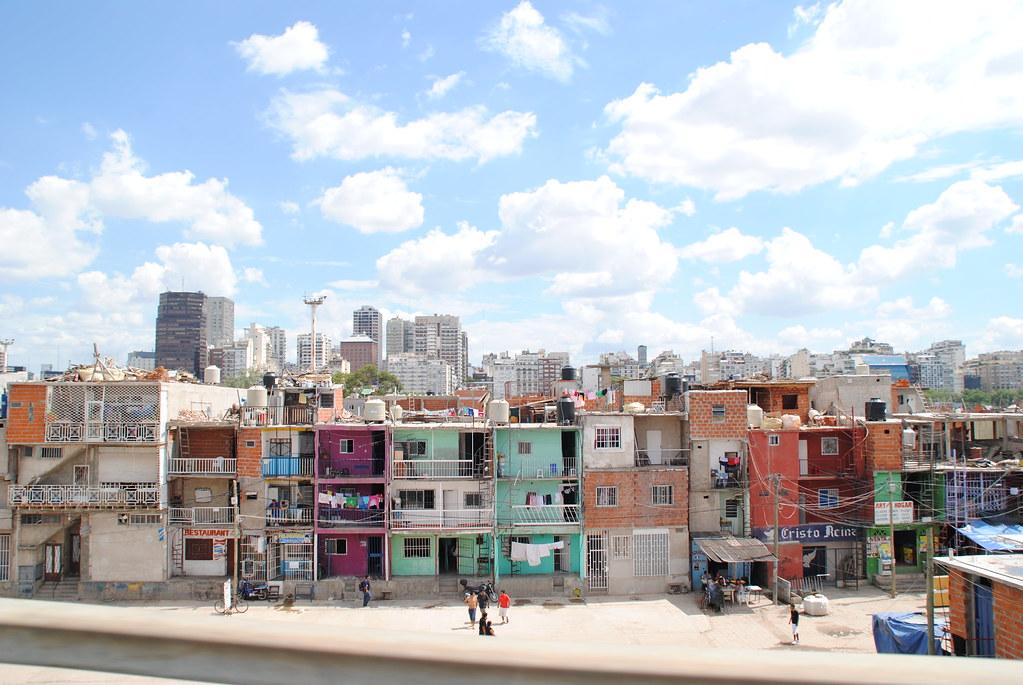 Villa 31 buenos aires argentina villa miseria for Villas en argentina