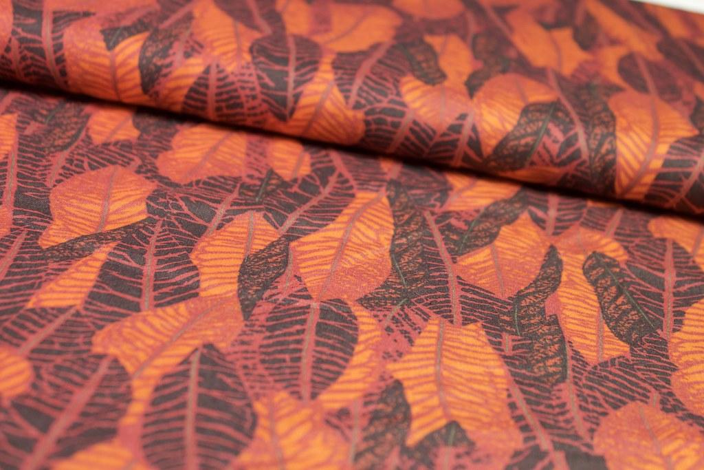 """Blusenstoff """"Blätterwald"""" orange-rot-schwarz, VE: 1m"""