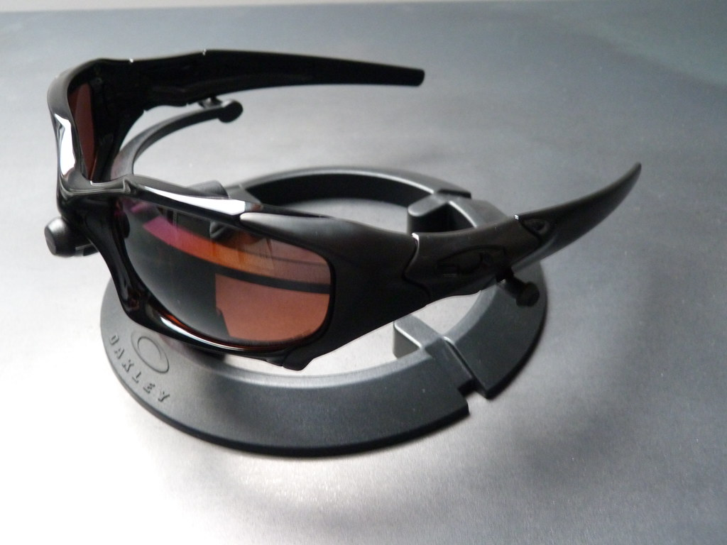 Oakley Vr28 Black Iridium Polarized