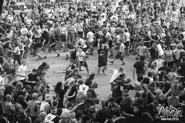 Circle pit band