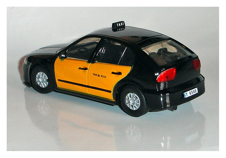 SEAT LEON TAXI | BARCELONE (E).Collection presse Polonaise ...