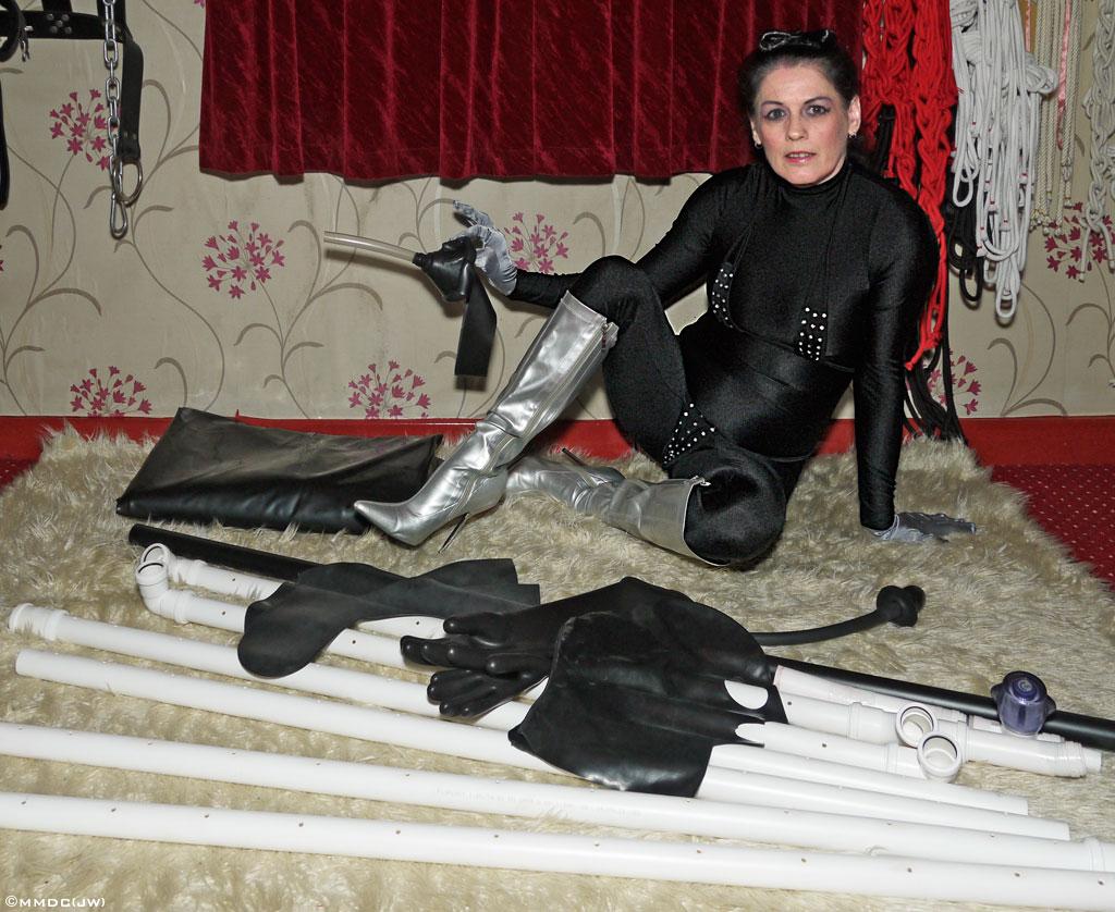 femdom left Vacuum bed