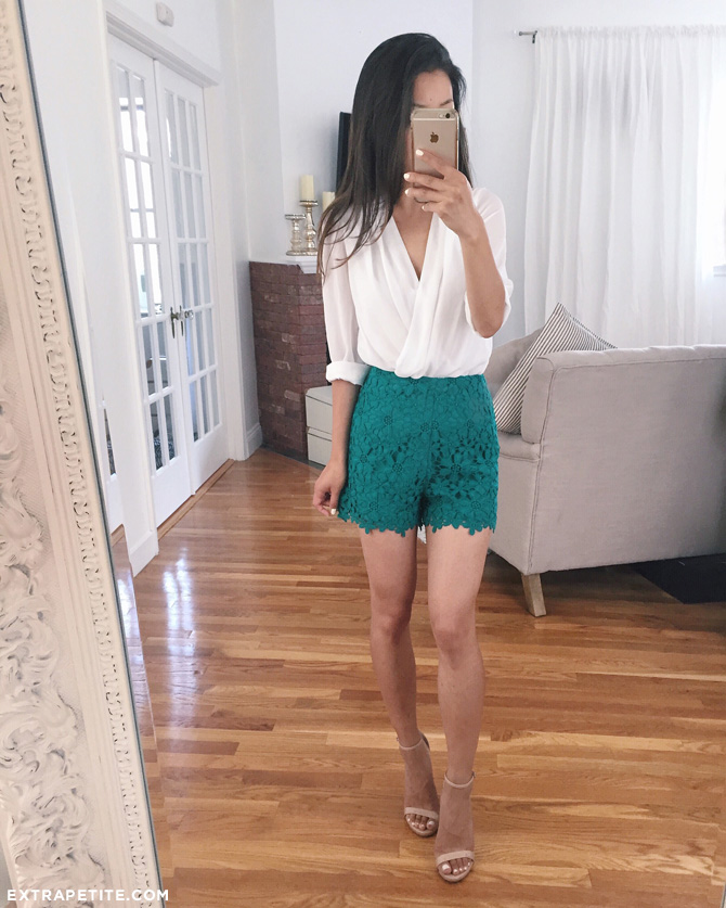 high waisted lace shorts outfit_extra petite blog