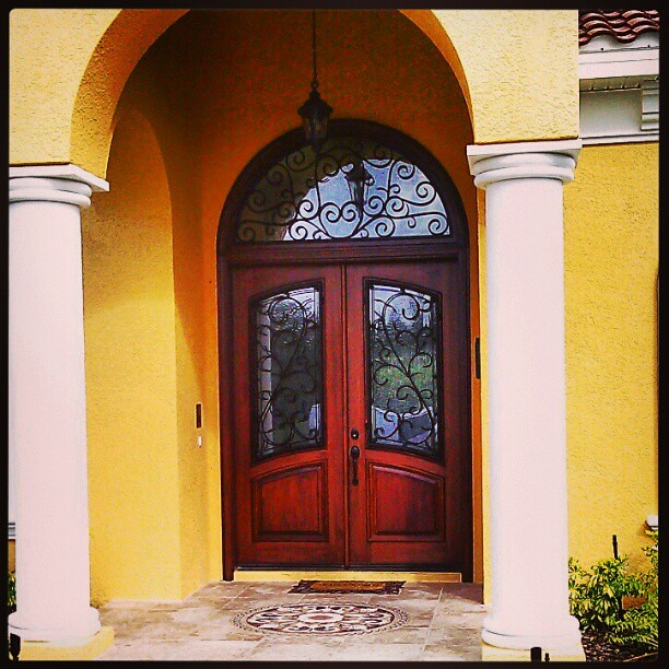 Grand Entry Door A Beautiful Solid Mahogany Front Entry Do Flickr