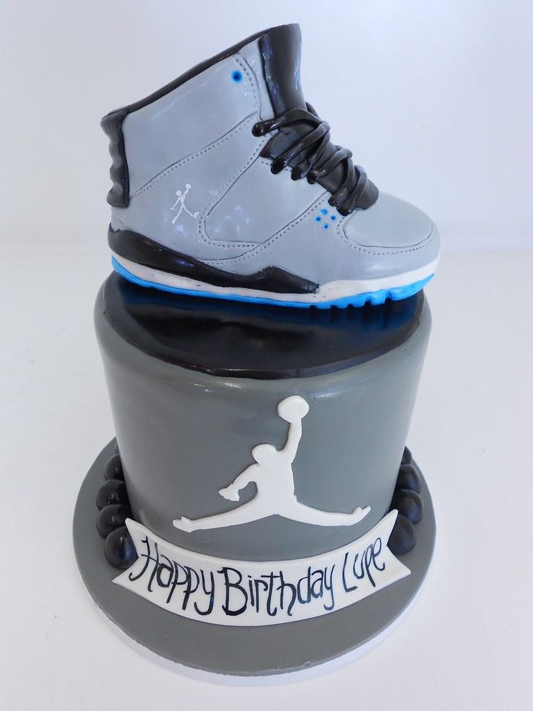 Cake Design Jordan : Air Jordan Birthday Cake (1463) www.asweetdesign.info ...