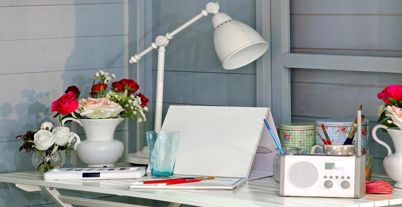 escritório decorado com plantas